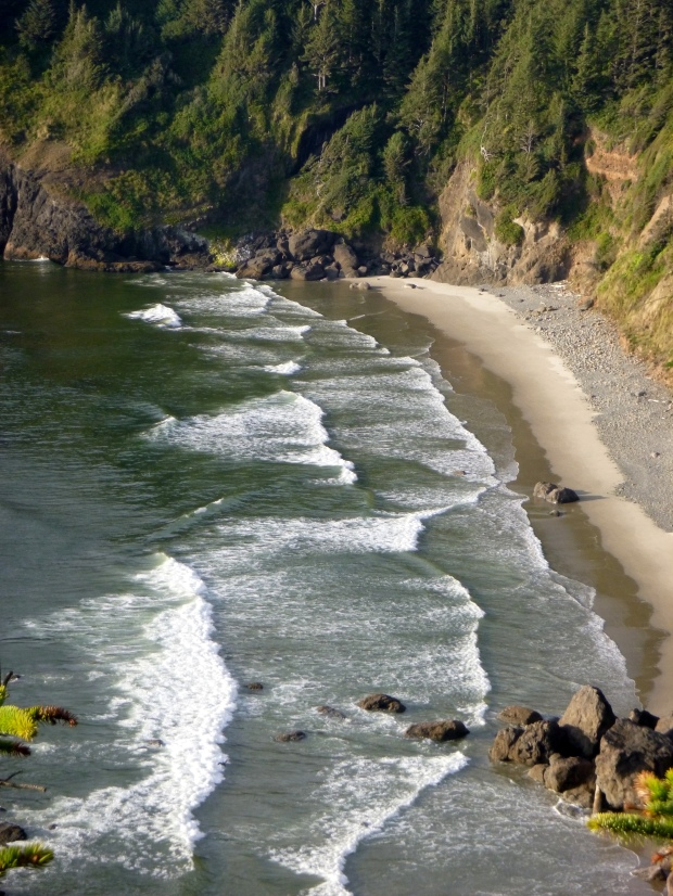 Surf breaking in inlet, Pacific Ocean, Oregon