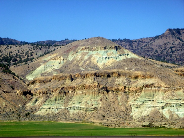 Cathedral Rock showing 29 million years of geologic record, Sheep Rock Unit, John Day Fossil Beds, Oregon