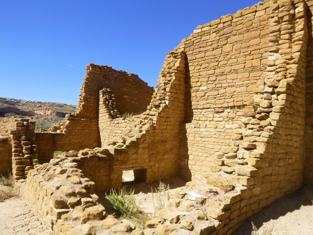 Thicker walls and larger sandstone masonry at Kin Kletso, characteristic of 12th century construction, ca. 1100 - 1130 AD, Chaco Canyon National Historical Park, New Mexico