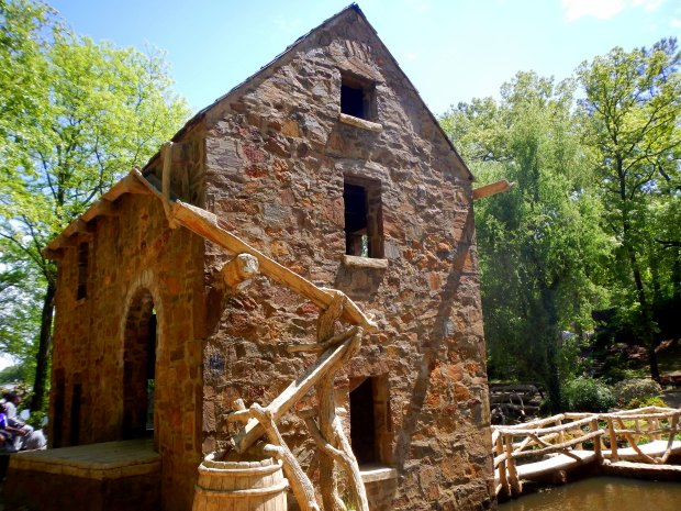The Old Mill, T.R. Pugh Memorial Park, North Little Rock, Arkansas