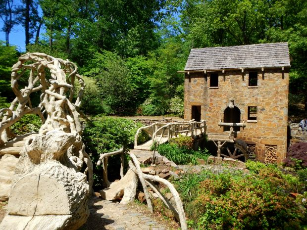 The Old Mill, T.R. Pugh Memorial Park, North Little Rock, Arkansas