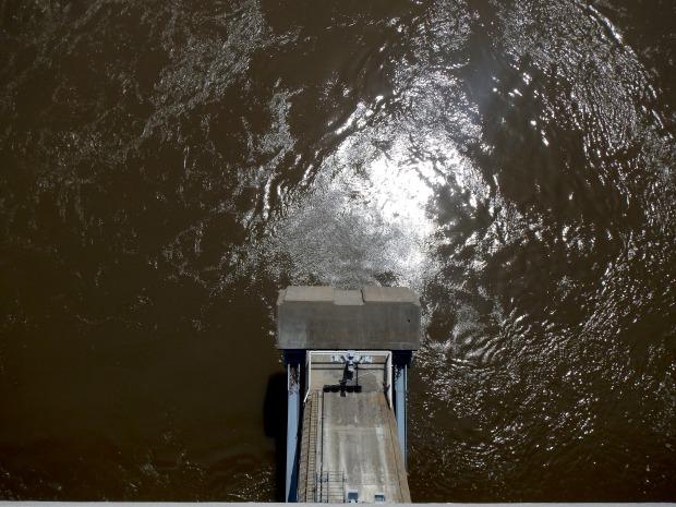 Looking down at the dam, Big Dam Bridge, Little Rock, Arkansas
