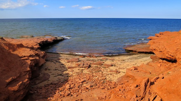 Sandstone cliffs, Brackley-Dalvay, Prince Edward Island National Park, Prince Edward Island, Canada