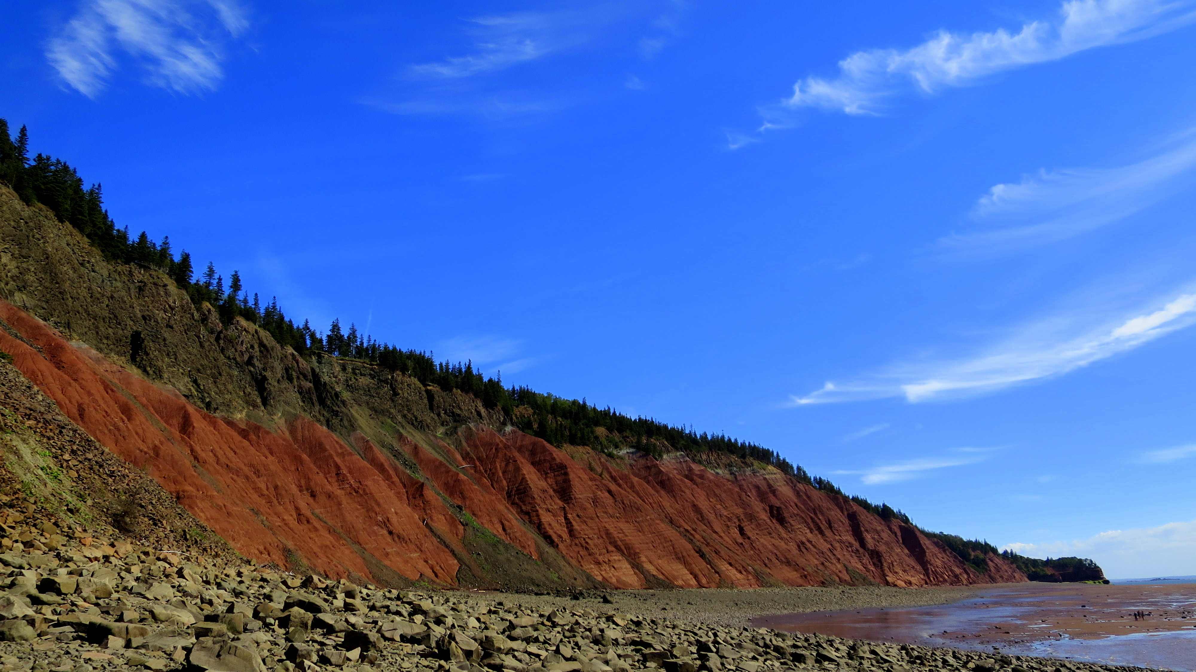 Five islands provincial park nova scotia or this trail smells looking down the beach from in front of red cliffs five islands provincial park nvjuhfo Choice Image