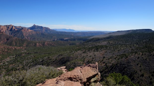 View across the Colorado Plateau with Kanarraville Fault on the right, Timber Creek Overlook Trail, Kolob Canyon, Zion National Park, Utah