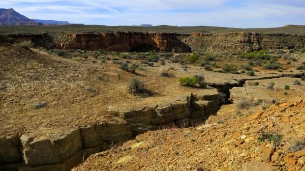 Deep crack, Virgin River Canyon Rim, Utah