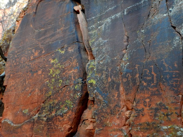 Largest petroglyph panel – the so-called Sun Panel, V – Bar – V Heritage Site, Coconino National Forest, Arizona