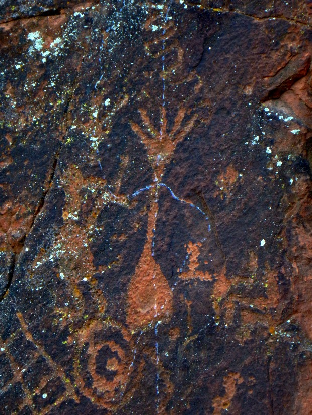 Frontal depiction of crane/heron (clan symbol), V – Bar – V Heritage Site, Coconino National Forest, Arizona