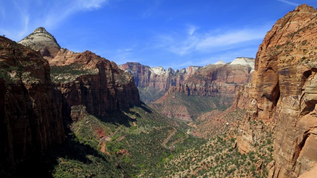 One of the most amazing views I've seen, Canyon Overlook Trail, Zion National Park, Utah