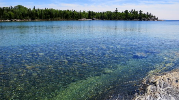 Clear waters, Katherine Cove, Lake Superior Provincial Park, Ontario, Canada