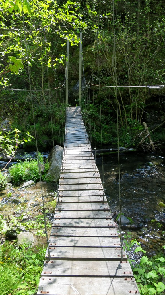 Supension bridge, Casque Isles Trail, Schreiber, Ontario, Canada