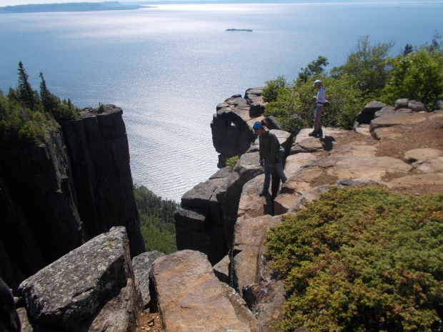 Teri and I looking between the cracks, Top of the Giant Trail, Sleeping Giant Provincial Park, Ontario, Canada
