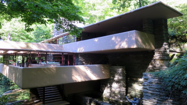 Cantilevers and terraces, Fallingwater, Mill Run, Pennsylvania