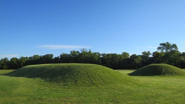 Elliptical mound, Mound City, Hopewell Culture National Historical Park, Ohio