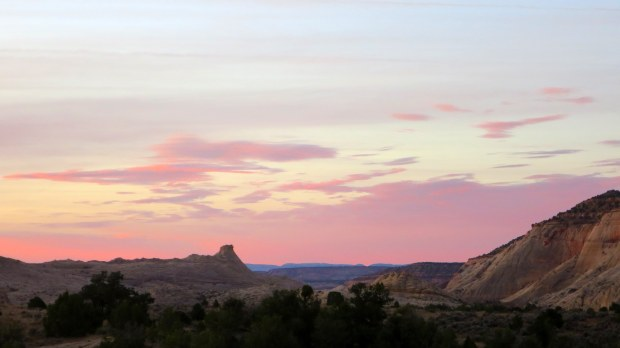 Pinks to the south at sunrise, Burr Trail, Grand Staircase-Escalante National Monument, Utah