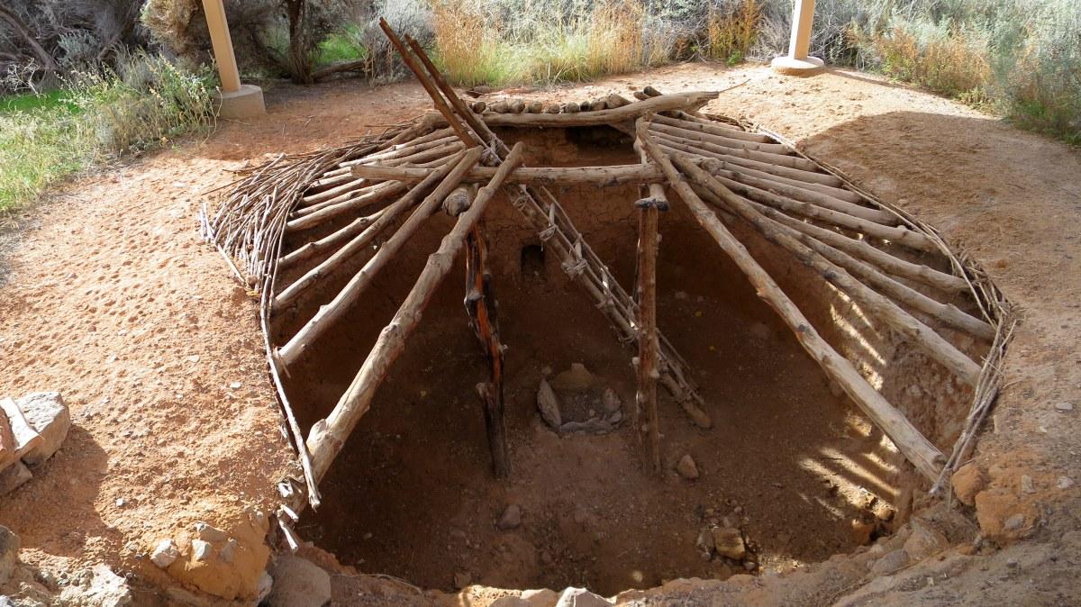 Anasazi State Park and Escalante River Canyon Petroglyphs and Pictographs